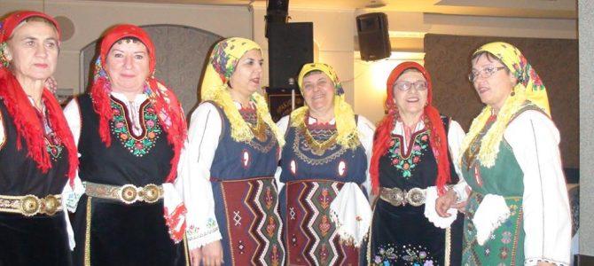 Γλέντι, χορός και άφθονο κέφι στις εκδηλώσεις των Πολιτιστικών Συλλόγων Τριγωνιωτών Αθήνας και Θεσσαλονίκης